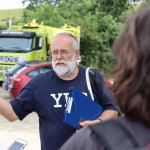 Hlavný organizátor misie a koordnitátor YRE programu na Slovensku, Richard Medal, pred skládkou, ktorú sme navštívili.