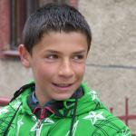 Michal, žiak: Odpadky hádžem do kontajnera a aj plasty triedime. Hádzať smeti do potoka nie je správne.