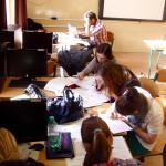 Študenti sa naučili písať základné žurnalistické žánre - správu a komentár.